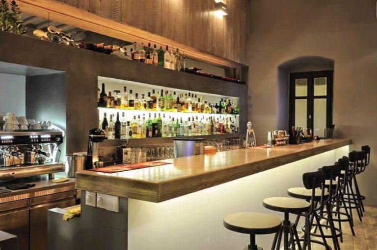 Ανακαινιση all day bar στην Πάρο, έργο της K.DIAKOSMOS-1