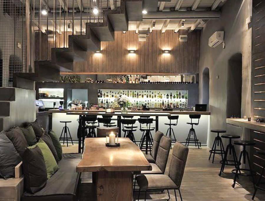 Ανακαινιση all day bar στην Πάρο, έργο της K.DIAKOSMOS-11