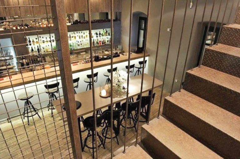 Ανακαινιση all day bar στην Πάρο, έργο της K.DIAKOSMOS-4