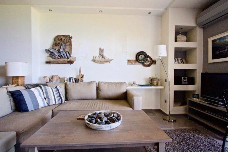Σχεδιασμός και διακόσμηση airbnb στον Κάλαμο, έργο της K.DIAKOSMOS-1-1