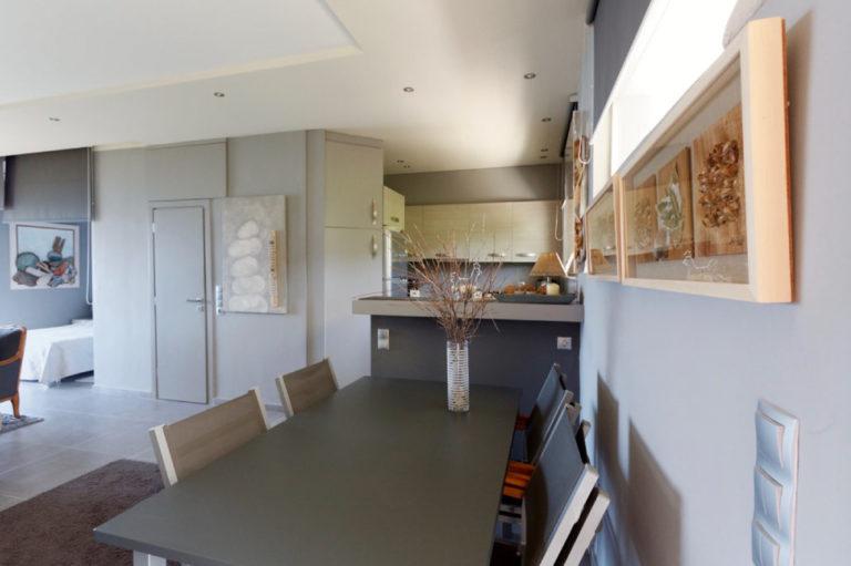 Σχεδιασμός και διακόσμηση airbnb στον Κάλαμο, έργο της K.DIAKOSMOS-2