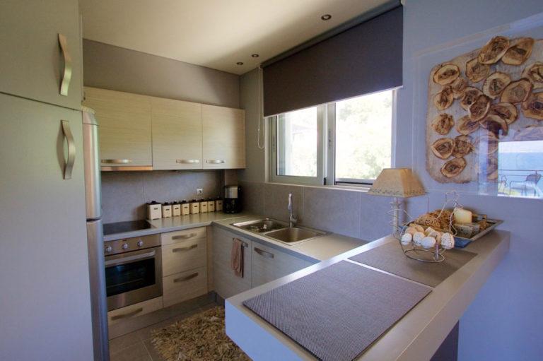 Σχεδιασμός και διακόσμηση airbnb στον Κάλαμο, έργο της K.DIAKOSMOS-7