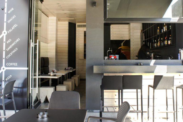 Σχεδιασμός και διακόσμηση cafe bar στο Χαλάνδρι έργο της K.DIAKOSMOS-10