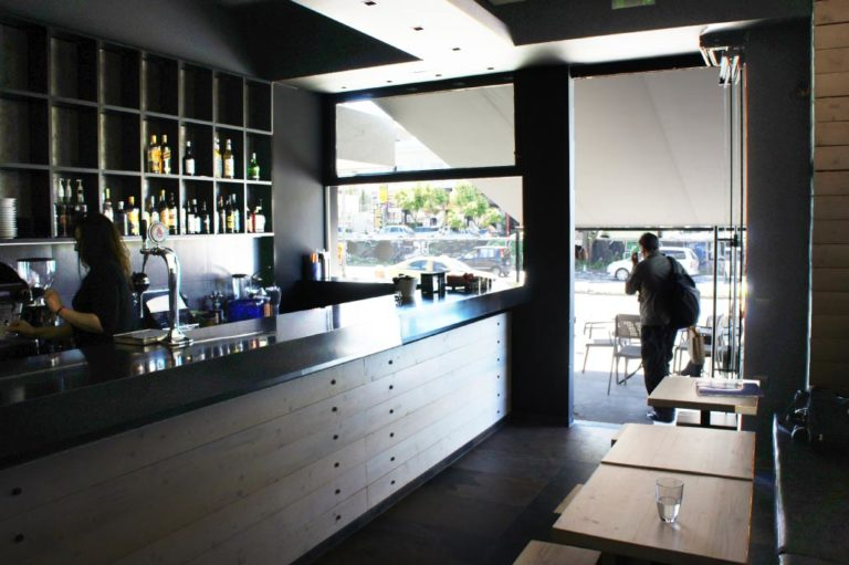 Σχεδιασμός και διακόσμηση cafe bar στο Χαλάνδρι έργο της K.DIAKOSMOS-11