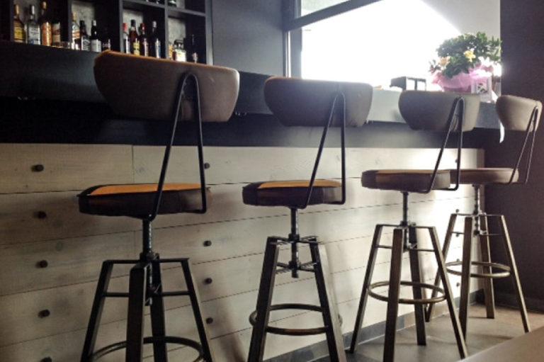 Σχεδιασμός και διακόσμηση cafe bar στο Χαλάνδρι έργο της K.DIAKOSMOS-13