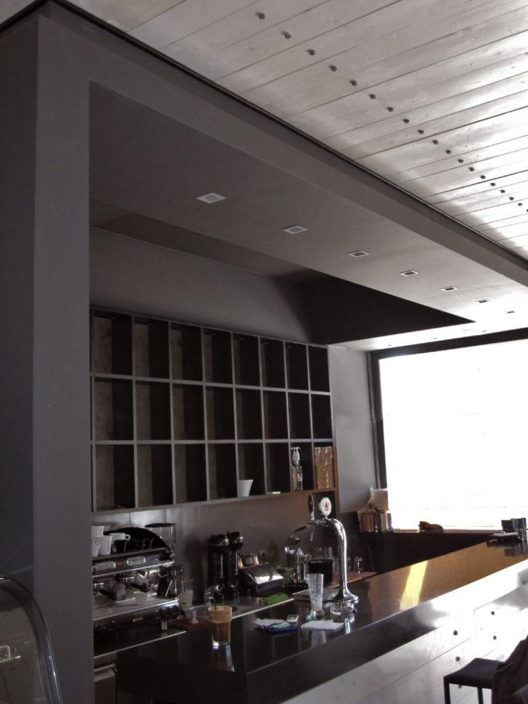 Σχεδιασμός και διακόσμηση cafe bar στο Χαλάνδρι έργο της K.DIAKOSMOS-3