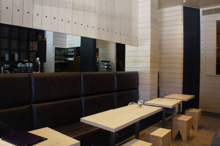 Σχεδιασμός και διακόσμηση cafe bar στο Χαλάνδρι έργο της K.DIAKOSMOS-4