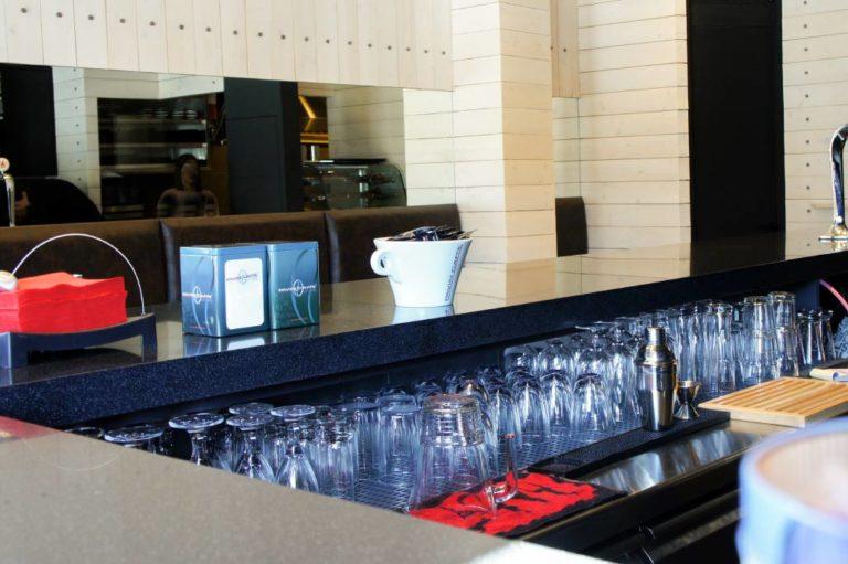 Σχεδιασμός και διακόσμηση cafe bar στο Χαλάνδρι έργο της K.DIAKOSMOS-6